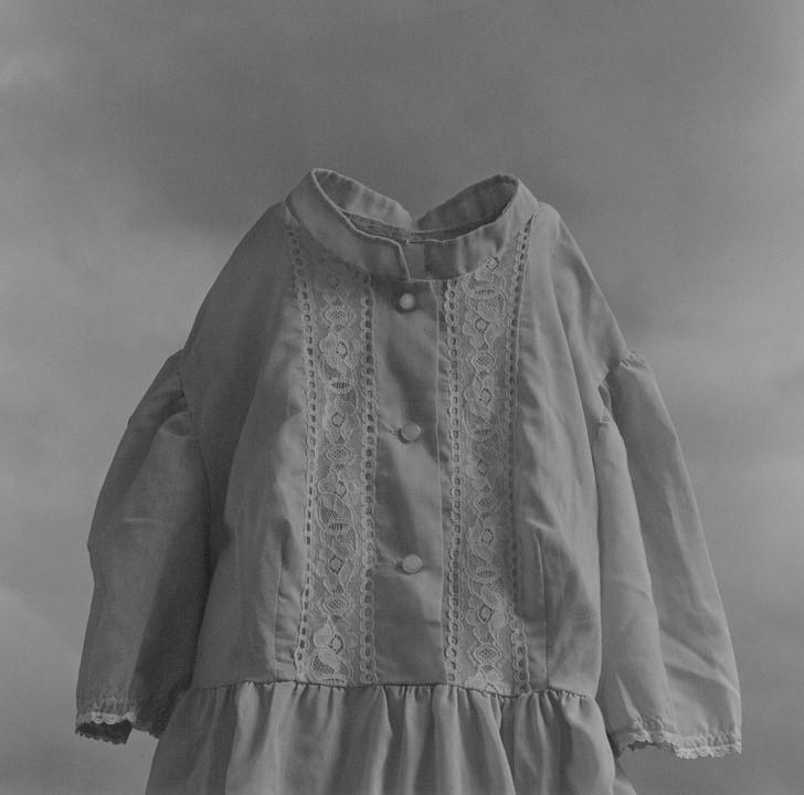 Yuki_Onodera_Clothes_No07 Gelatin silver print on fiber base paper, 115 x 115 cm (and 60 x 50 cm) 1994